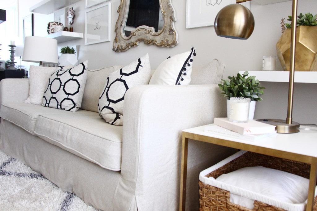 مبل راحتی کلاسیک (The Classic Round Arm Sofa)